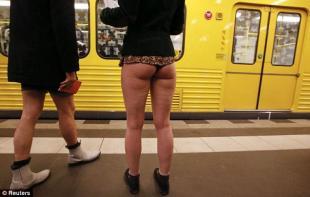 In attesa della metro a Berlino