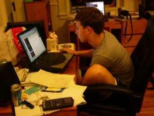 mark zuckerberg troppo casual al lavoro