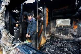 calais scontri tra polizia e migranti 5