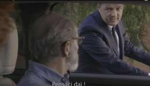 matteo renzi spot elettorale pd in bicicletta