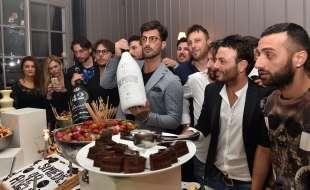 torta di compleanno per fabrizio corona (1)