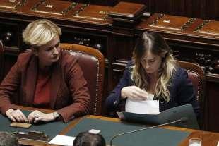 Le ministre Federica Guidi e Maria Elena Boschi alla Camera