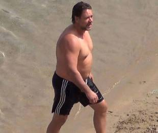 russel crowe dad bod