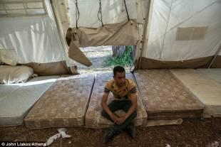 migranti presso elias hotel di kos