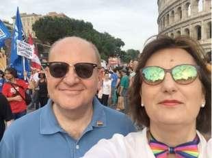 fabrizio rondolino e simona ercolani al gay pride