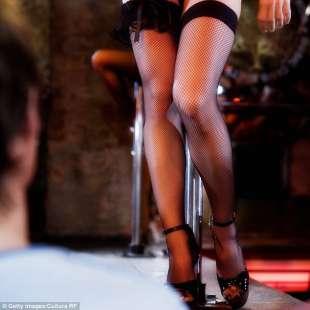 lap dance in calze a rete