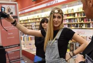sofia viscardi si fa un selfie (1)