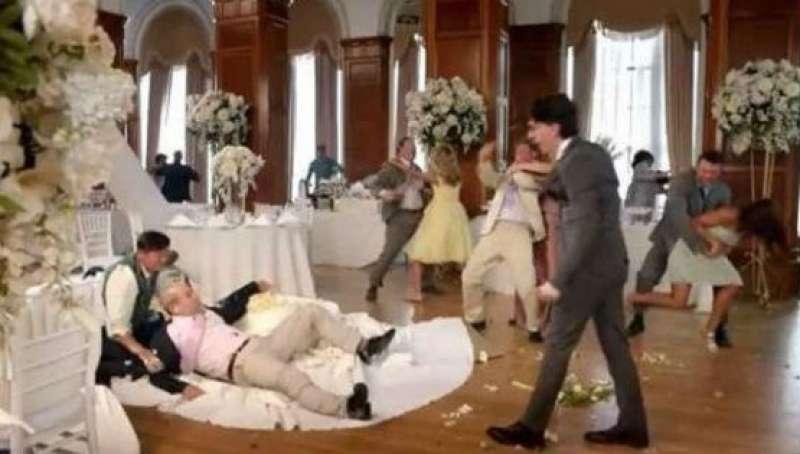 Matrimonio In Rissa : Banchetto di nozze sfocia in rissa lo sposo sorpreso ad