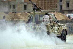 ISIS BOMBARDA SIRTE IN LIBIA