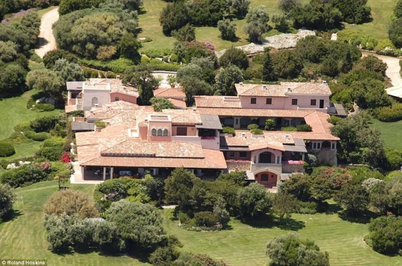 Interni Di Villa Certosa : Certosa paradise l impero immobiliare sardo di berlusconi