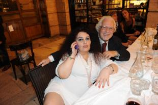 Rieccola l eterna romanella godona e magnona al party di for Gabriella sassone