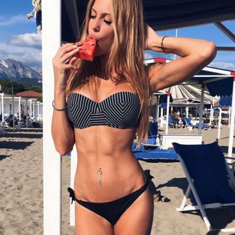 nudes Taylor Mega (49 photo) Sexy, 2019, underwear