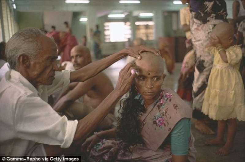 Risultati immagini per capelli di donne indiane per parrucche