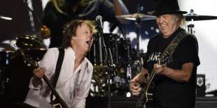 PAUL McCARTNEY NEIL YOUNG 1
