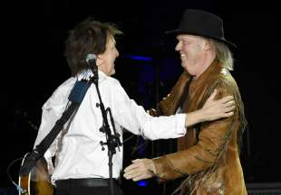 PAUL McCARTNEY NEIL YOUNG 4