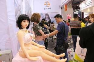 esposizione cinese di sex doll