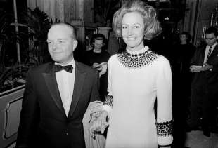 kay graham truman capote black & white ball