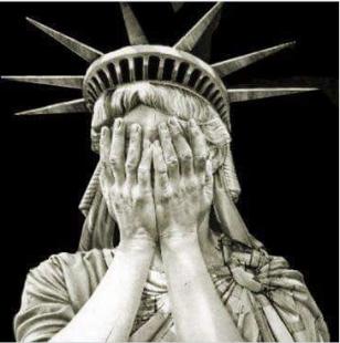 la statua della liberta si vergogna