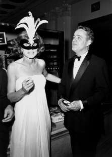 shriver e eunice kennedy black & white ball