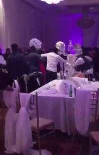 Canada - Ex distribuisce foto hot della sposa agli invitati