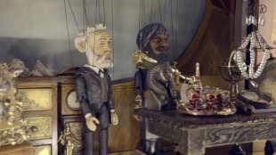 teatro marionette fatto a mano