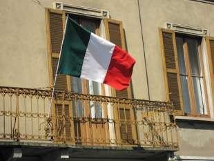 tricolore al balcone