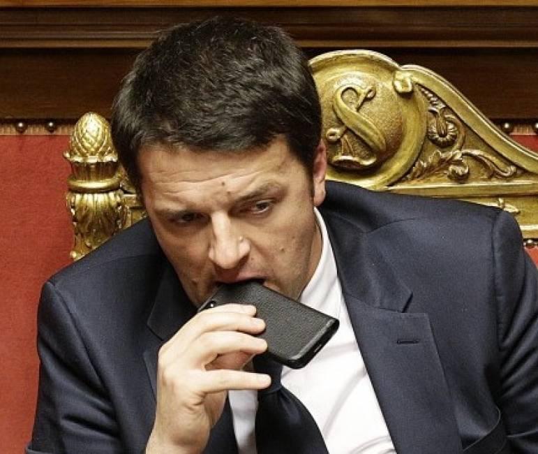 Renzi abbandona il gruppo Whatsapp del partito democratico