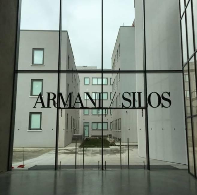 Giorgio armani in versione architetto non convince con i for Giornale architettura