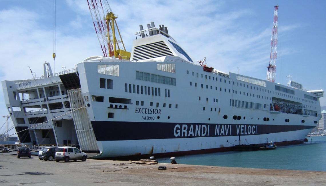 Ufficio Collocamento A Palermo : Colpo a bordo! a palermo rubata la cassaforte sulla nave excelsior