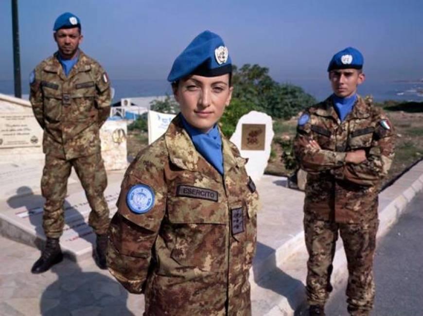 le tre donne maggiore che puntano a generale e la carica ...