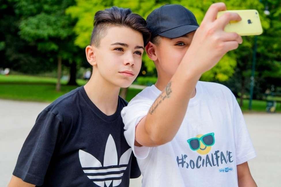 Lo Youtuber Luciano Spinelli 16 Anni E Migliaia Di Seguaci Sui