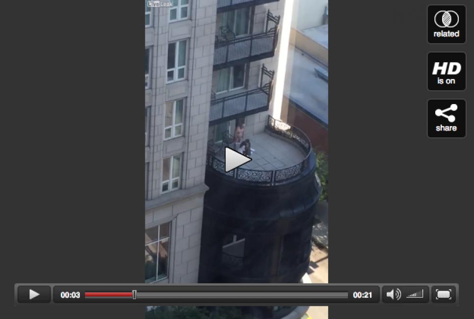 video-flash! - sesso fuori di balcone: sul terrazzo del famoso hotel ...